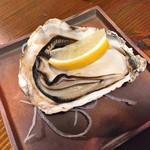 炉ばた いちくら - 料理写真:有明焼ガキ(600円)