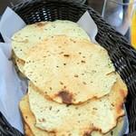 グレイトカルカッタ - パパド(豆の煎餅)