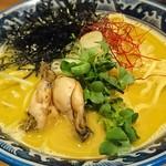 佐市 - 牡蠣・拉麺 900円