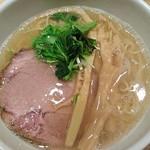 中華そば 桃李 - 料理写真:鯛とはまぐりの塩ラーメン(3、4月限定)