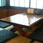 すみよし食堂 - 座敷テーブル