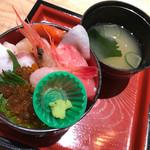 63500582 - 海鮮丼 ¥500オープン記念特別価格