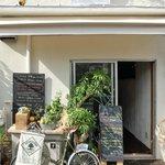 Cafe&Deli COOK - 外観の風景です