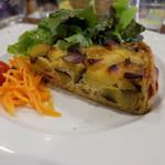 ラ・ブラスリー - 2900円のコースの前菜でキッシュを選択