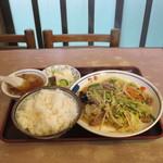偕楽 - 肉野菜いためライス