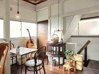 Cafe&Deli COOK - 店内のテーブル席の風景です