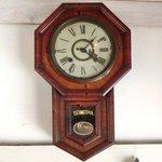 Cafe&Deli COOK - SEIKOSHAの八角柱時計(全部で6種類あり3代目)