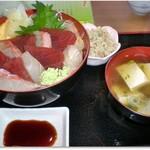 どんぶり亭 松本 - H29年2月つみれ汁と小鉢が旨い