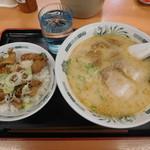 日高屋 - やきとり丼セットとんこつラーメン ¥640-