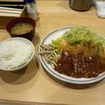 洋食屋 双平 - ビーフカツ定食1200円