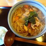 めいじん亭 - けんちん蕎麦(温)