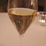 63524200 - グラスシャンパン
