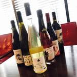 ワインカフェ新宿 - ヴァン・ナチュール(自然派ワイン)も数量限定でご用意しています!