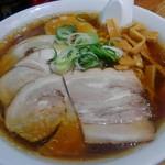 旭川ラーメン番外地 - 醤油チャーシューメンを大盛りで注文してみました。