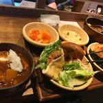 都野菜 賀茂 - ビュッフェ。全て美味!器も可愛いです。