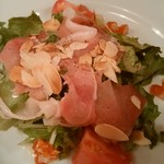 パリのワイン食堂 - サラダもりもりい