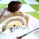 CAKE HOUSE PLIN - 料理写真:抹茶のロールケーキ