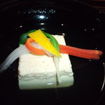 ryouteioomiyaichinoya - <煮物椀> 清汁仕立て 助子豆腐 鶯菜 結び紅白 柚子