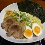ガッツリつけ麺 - 特製塩白湯つけ麺(大盛)