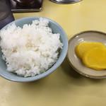 長浜ラーメン 味心 - ご飯=50円  ランチタイムサービス