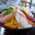 やまろく  - 海鮮丼