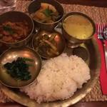 ネパール料理バルピパル - ダルバート