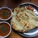インドカレーSOL - キーマ&チキンカレーとナン