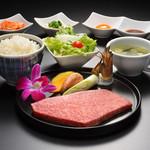 仙台牛一頭買い焼肉 明月苑 - 仙台牛特選ステーキランチ6500円