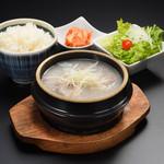 仙台牛一頭買い焼肉 明月苑 - コムタンランチ1300円