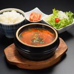 仙台牛一頭買い焼肉 明月苑 - テグタンランチ1300円