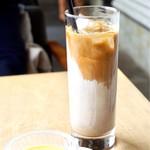 スロー ジェット コーヒー - アイスカフェラテ