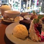HIKARI cafe&dining -