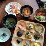 海の別邸ふる川 - 料理写真:朝食ビュッフェ