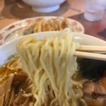 らーめん ヒグマ - 麺アップ