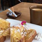 サンボンギ ダイナー - フレンチトーストとコーヒー