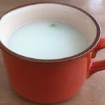 サンボンギ ダイナー - サービスのスープ