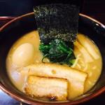 麺屋 優創 - マジトン出汁×魚介出汁!