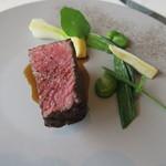 63555067 - 29年3月 宮城A5雌牛ランプ肉 セルフィーユ、空豆添え