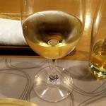 63555981 - 白ワイン グリュナー