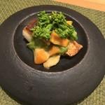 Yuunowa - 甘鯛にキヌタ貝とあげ巻き貝、上に菜の花