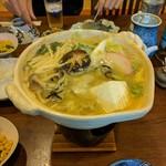 山水 - 料理写真:牡蠣鍋