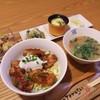 洋風居酒屋 ちゅあら - 料理写真:鶏の照り玉丼がメインのランチ1000円