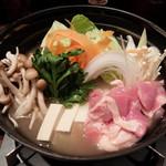 焼鳥 水炊き ふくの鳥 四谷店 - 鶏塩ちゃんこ鍋