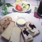 Cafe Veryroll - ベリーロールセット  マミーの焼くパンの盛り合わせ