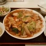 上海台所 - 五目焼きそば、¥750。