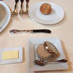 フレンチ サクラ - パン&バター&リエット