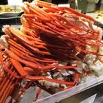 オールデイ・ダイニング ブローニュ - 料理写真:ズワイ蟹氷上盛り:ポン酢 レモンで頂ます。 北海道フェア期間中は ズワイガニ も 食べ放題です。