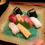 ともえ食堂 - 料理写真:にぎり寿司