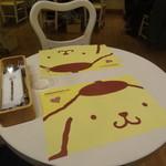 ポムポムプリンカフェ 原宿店 - テーブル席