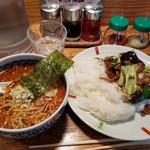 63579432 - ホイコーロー丼+ピリ辛マーラーメン